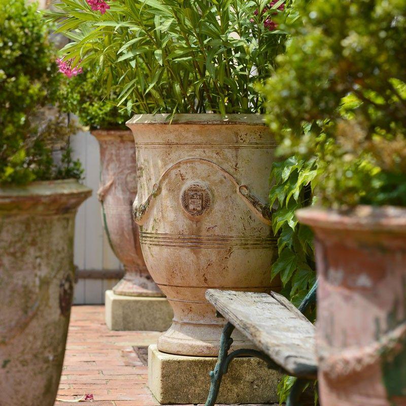 vase d 39 anduze patine ancienne poterie de la madeleine anduze poterie de la madeleine une. Black Bedroom Furniture Sets. Home Design Ideas