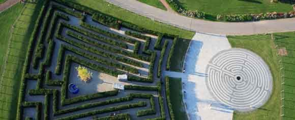 Berlin The Maze And Labyrinth Cost 660 000 Euros Gulp Gardens Of The World Labyrinth Garden Labyrinth Design