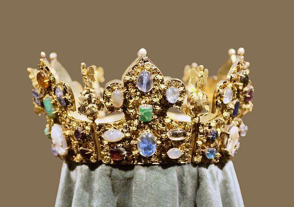 Vestiti Eleganti Wikipedia.Reliquary Crown Of Henry Ii Wikipedia The Free Encyclopedia
