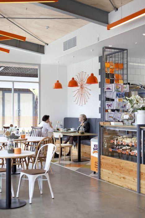 Charlie & George (New Zealand), Café