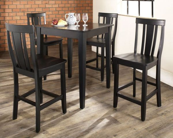 Dining set finished in black
