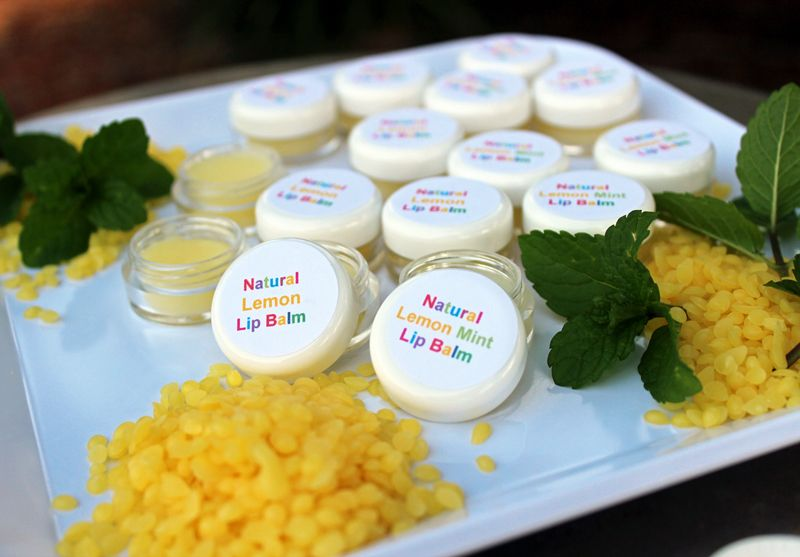Natural Lip Balm Recipe. Moisturizing, organic and easy to do!