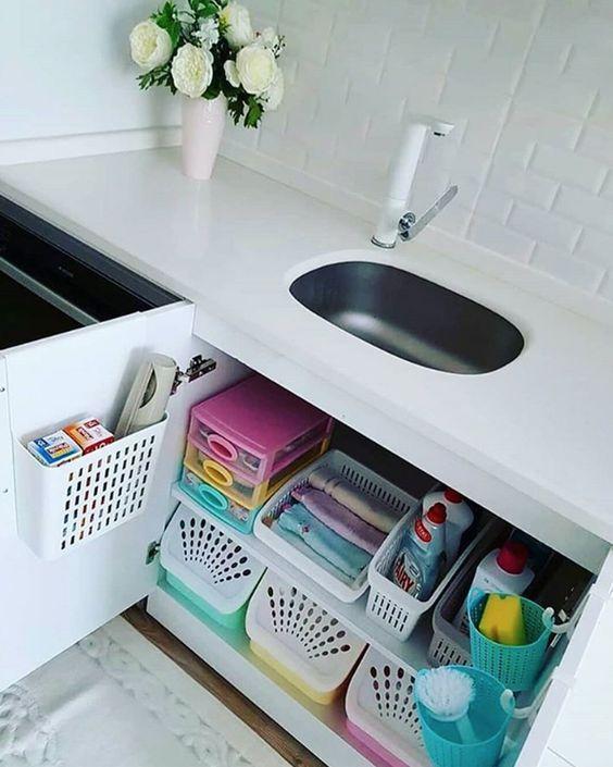 35 Under the Kitchen Sink Organization Ideas You Can DIY
