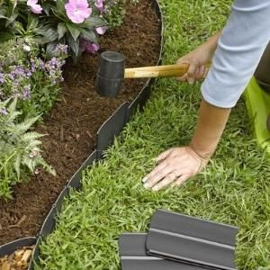 This Plastic Pound In Landscape Edging Is The Quickest Easiest System You Ll Find For Defining An Edge Around Your Flower Beds Or Garden By Sharron