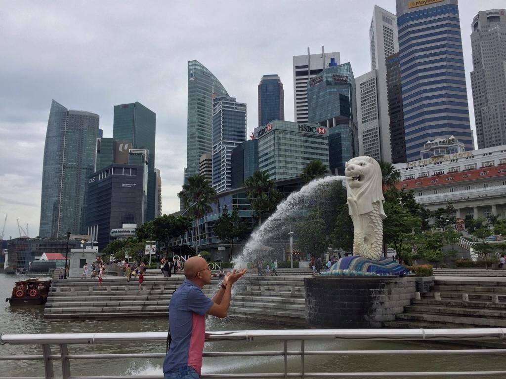 City Tour And Historical Singapore Photo Stop Merlion Park Singapore Traveller Reviews Tripadvisor Singapore Photos Singapore Travel Trip Advisor