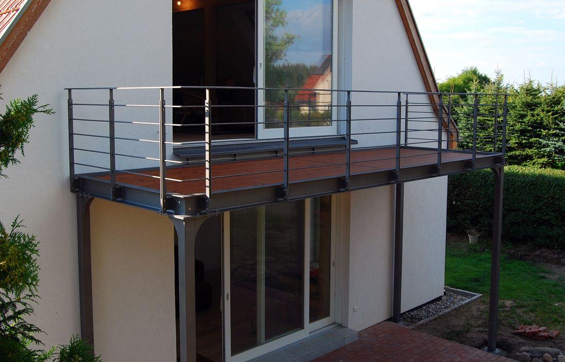Balkon mit holzbelag gut2 in 2019 balkon holzboden balkon und holzboden - Gartenhaus bielefeld ...