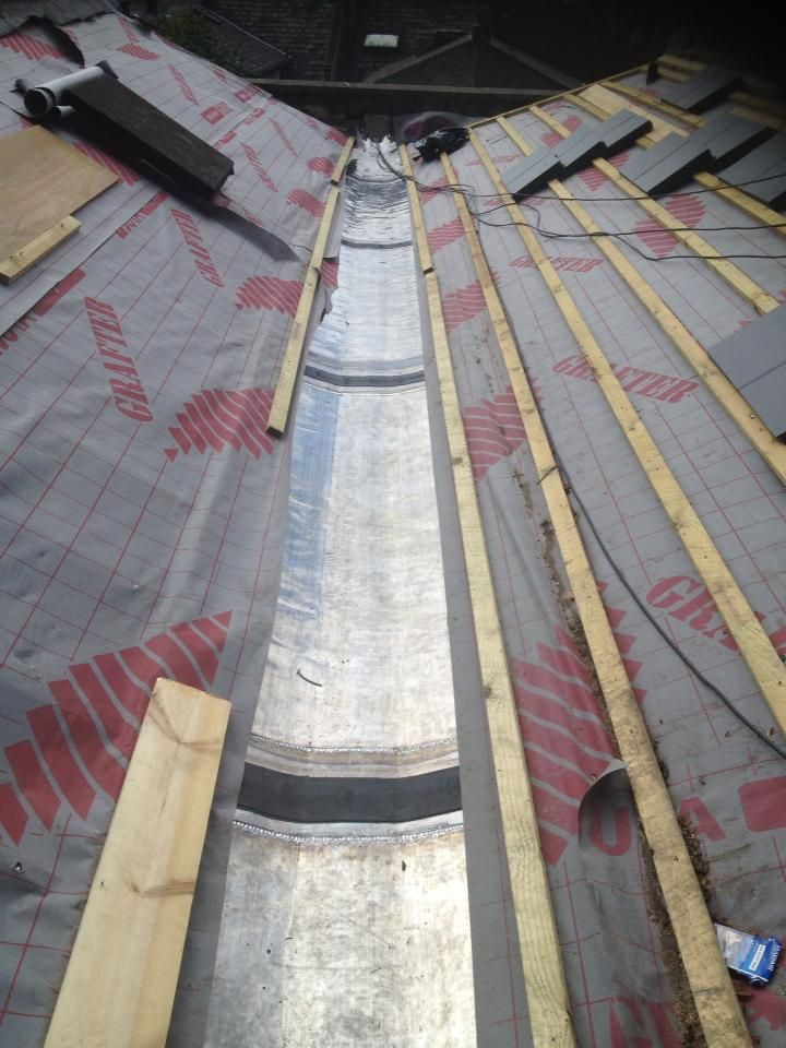 Contact Experts At Http Www Roofrescue Co Uk And Get Reliable And Extremely Cost Effective Traditional Domestic Roof Repa Affordable Roofing Roof Repair Roof