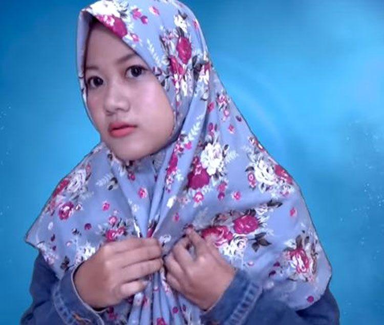 Tutorial Hijab Segi Empat Oki Setiana Dewi Kursus Hijab Gaya