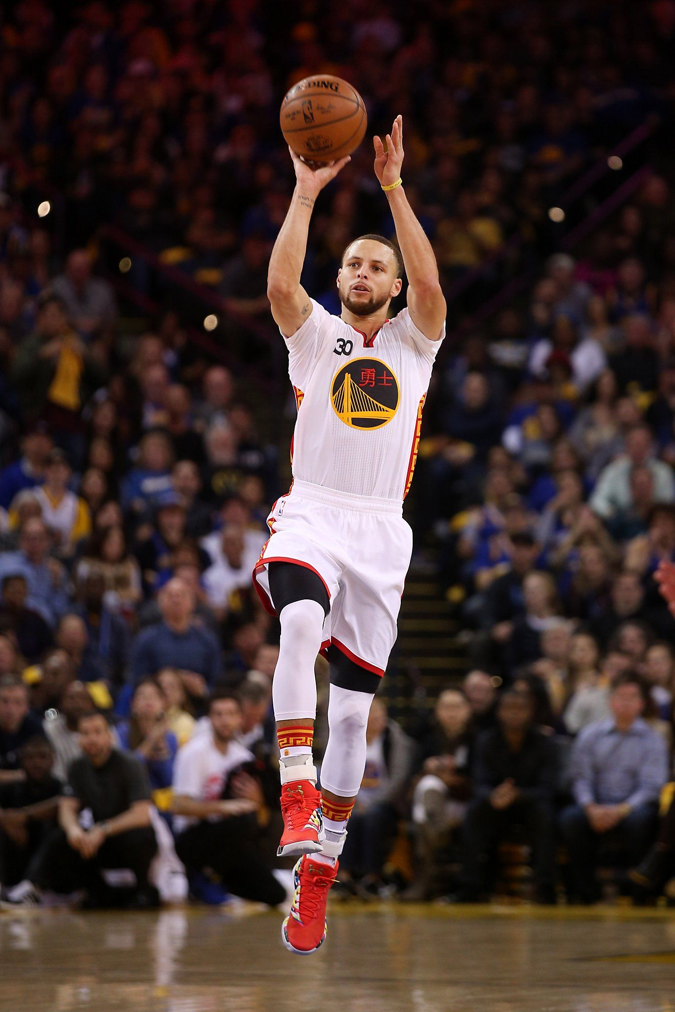 Stephen Curry Shooting Wallpaper