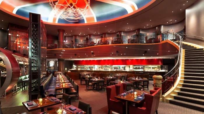 Interior Photo Of Gordon Ramsey S Steak House Dining Area And Balcony At Paris Las Vegas Gordon Ramsay Steak Paris Las Vegas Las Vegas Restaurants