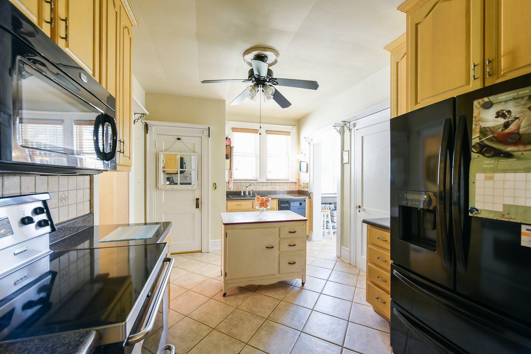 5041 Newark Ave Clarksdale Ga 30111 Clarksdale Kitchen Kitchen Cabinets