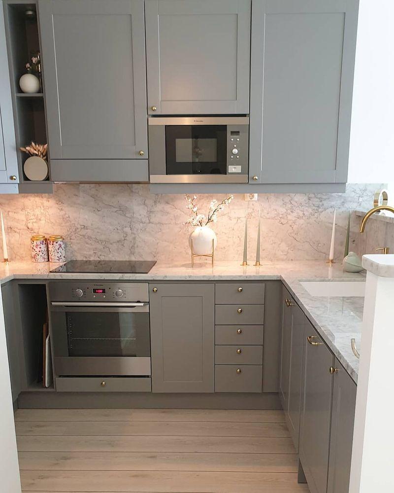 "Maral 🌸 on Instagram: ""KITCHEN 🌸  #kitchendesign #kitcheninspo #marbledesign @esteranderik #marble"""