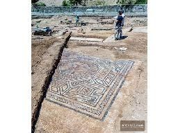 """Archaeologists Discover a """"Little Pompeii"""" in Eastern France"""