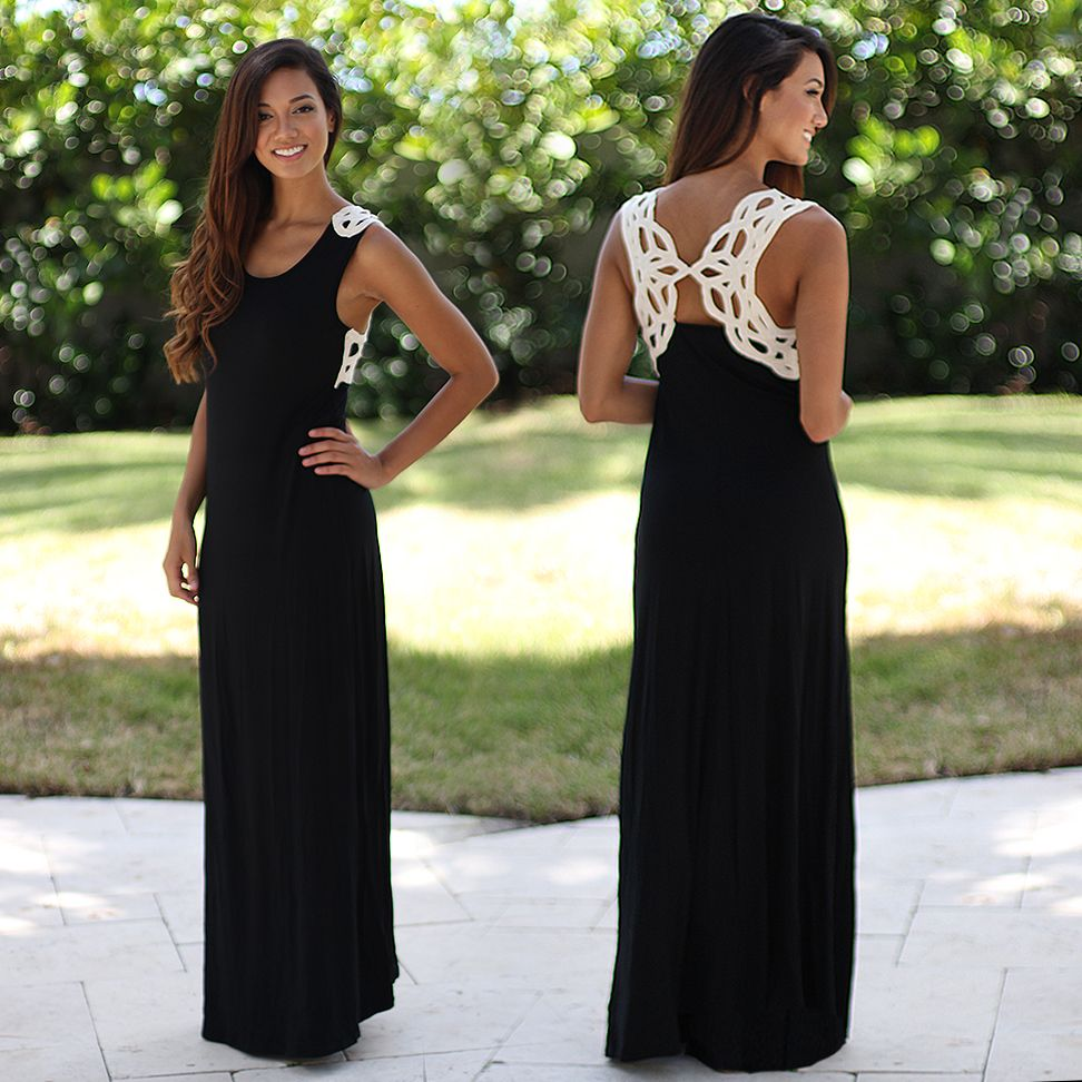 What a beautiful maxi dress dying over the crochet back detail
