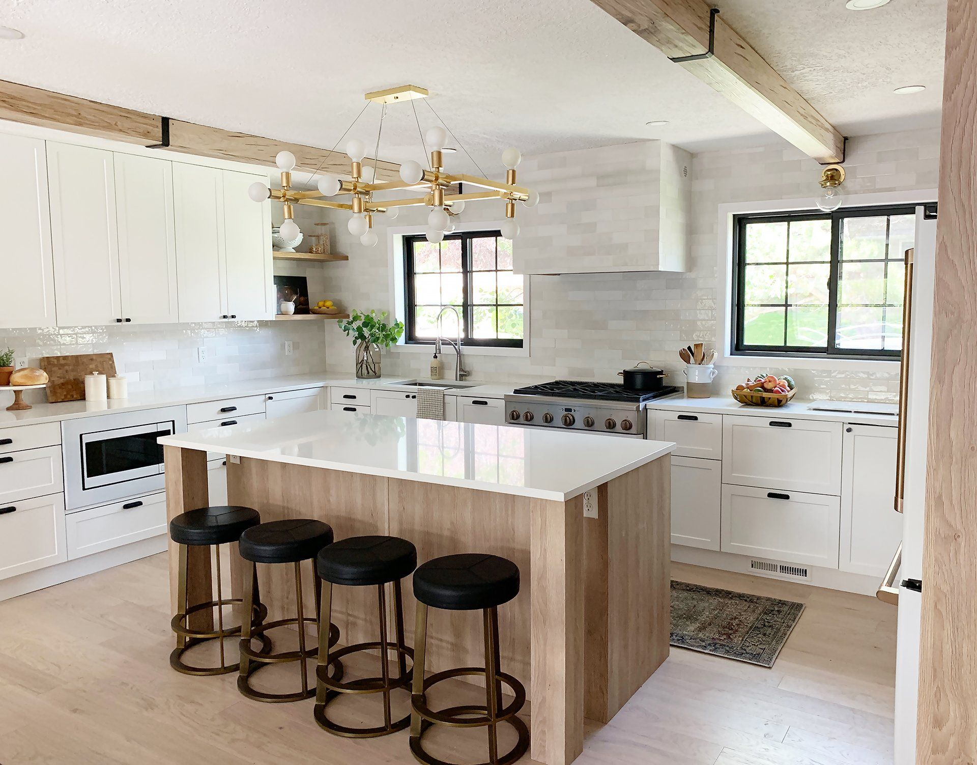 Beautiful And Functional Kitchen With Chris Loves Julia S Cove Shaker Lake House Kitchen Functional Kitchen Home Kitchens