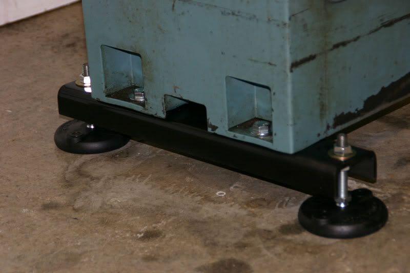Enco Lathe Cabinet Leveling Pads Are Set 18 Quot Apart Using 3
