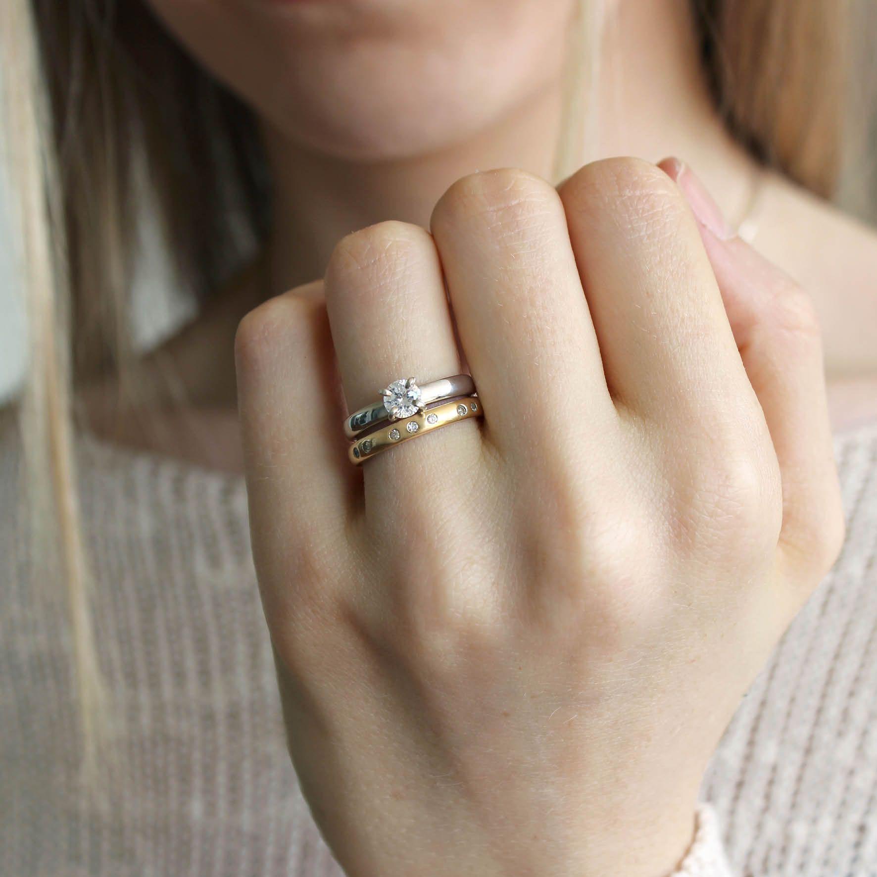Solitário e aliança. Todas as joias podem ser feitas em prata, ouro  amarelo, ouro rosé e ouro branco. Joalheria artesanal. 9abf5099f2