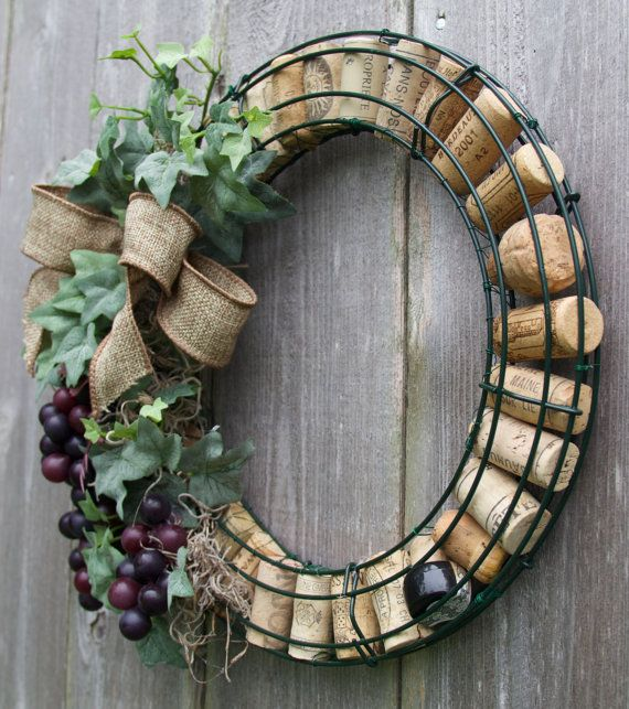 Wine cork wreath with grapes wet bars wine cellars and cork for Crafts made with corks