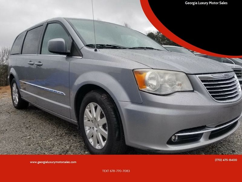 Minivan Chairs With Table With Images Chrysler Town And