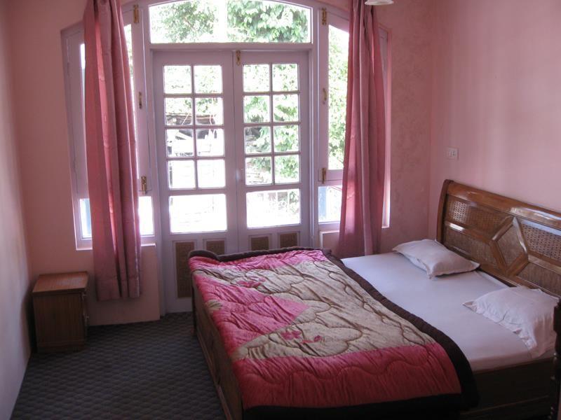 Hotel Gulistan Srinagar, India
