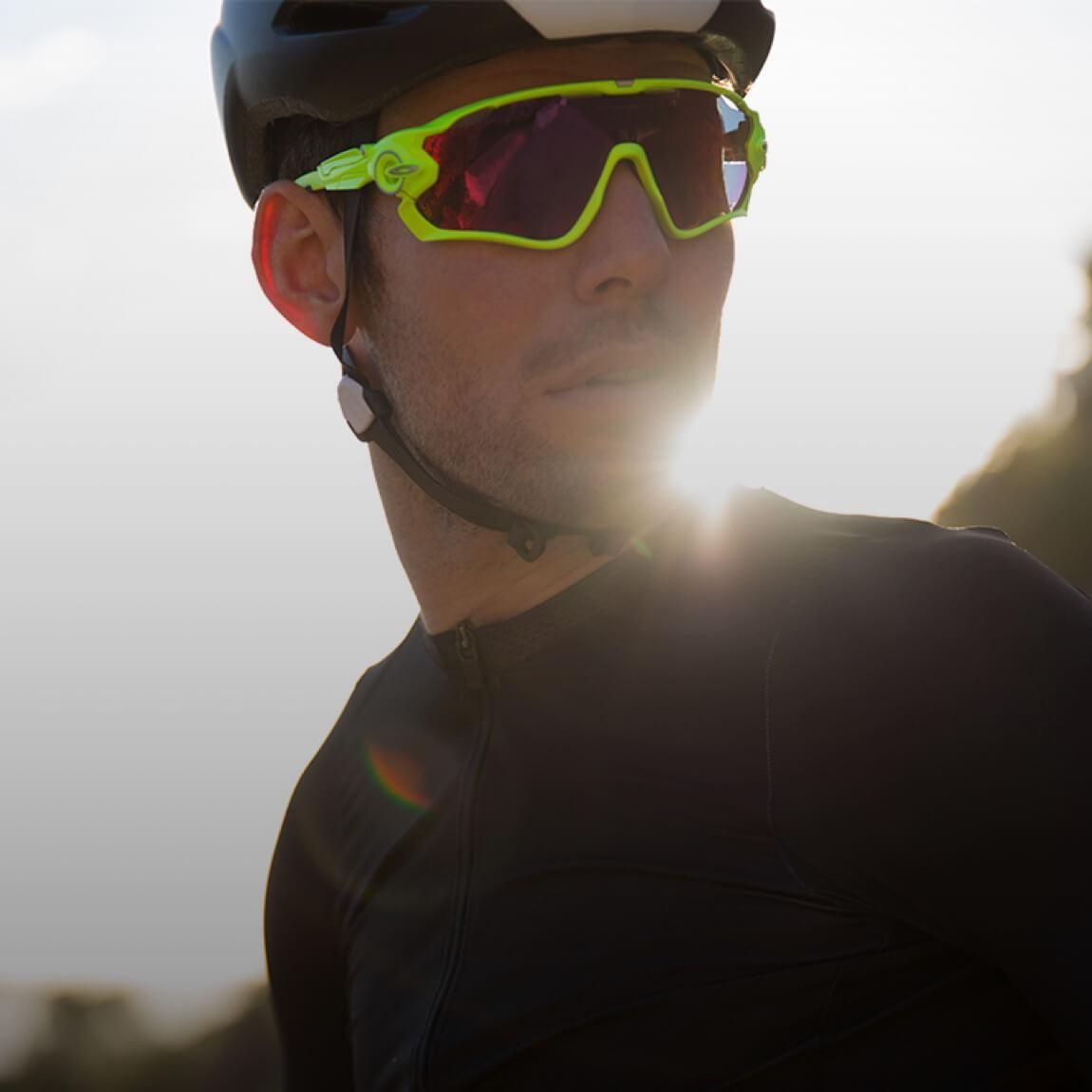 3b9cc53b9a Mark Cavendish wears Oakley JAWBREAKER OO 9290Otticanet.com  Otticanet   sunglasses  eyewear  sport  celebrities  cyclism