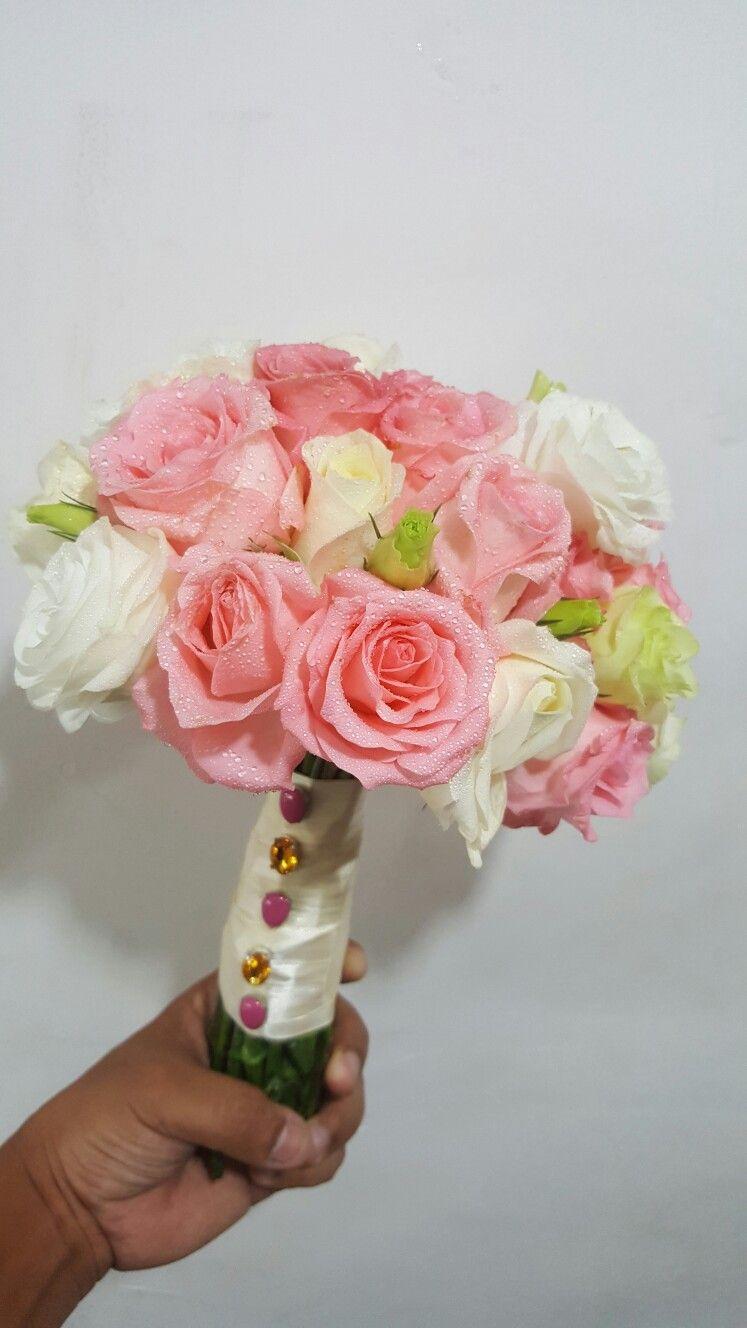 Pin by faixalcreations deco n artz on fresh flower hand bouquet hand bouquet fresh flowers bouquets hands nosegay izmirmasajfo Choice Image