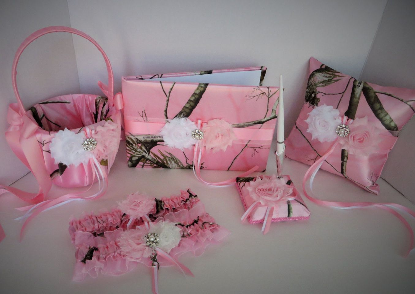 Realtree Pink Camo Wedding Set | Pink camo wedding, Camo wedding and ...