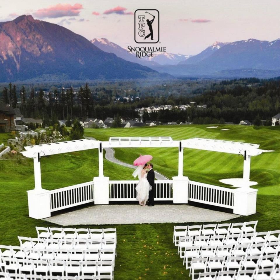 Outdoor Wedding Ceremony At TPC Snoqualmie Ridge Golf Course Washington