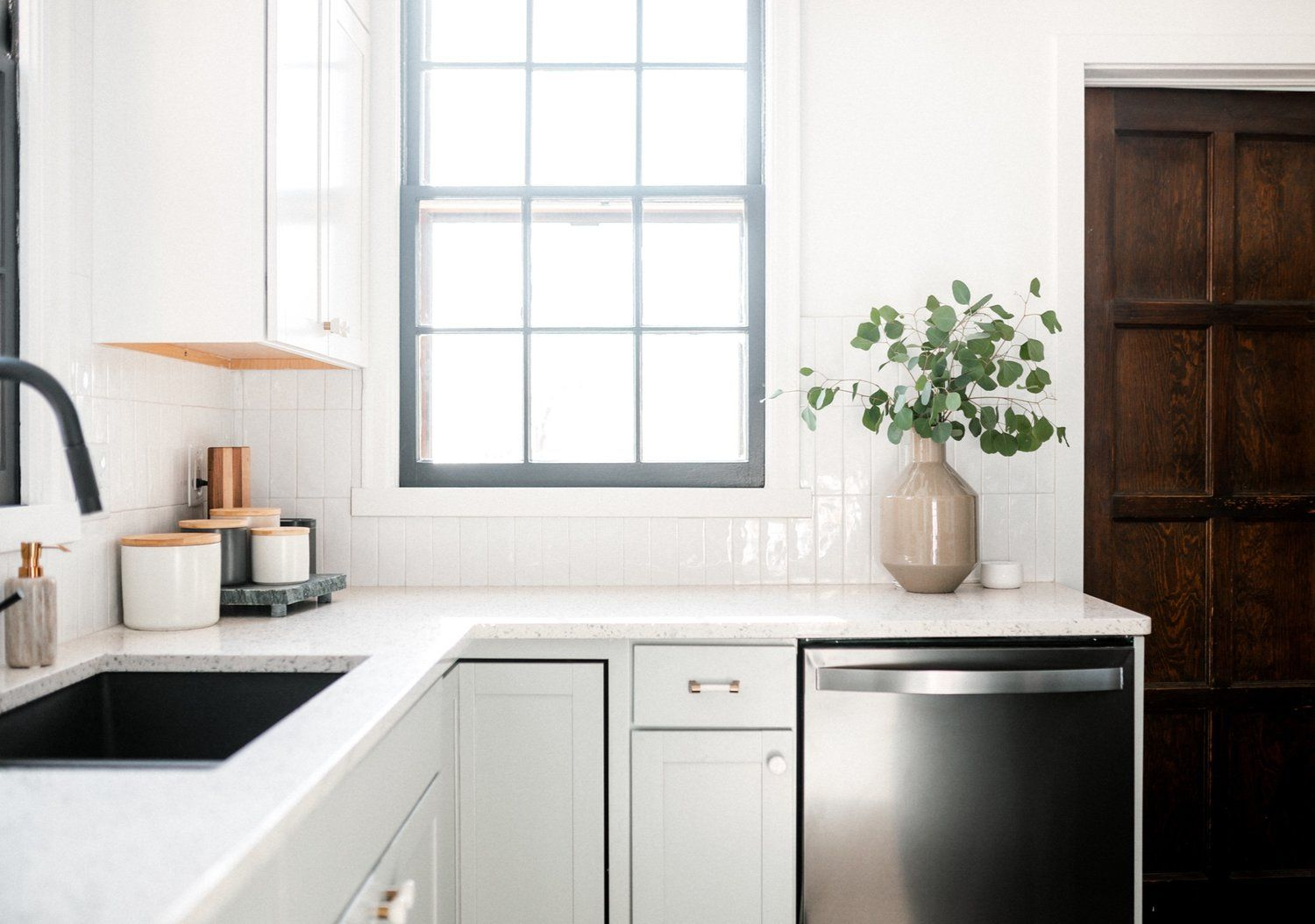 Best White And Gray Kitchen Cabinetry Ideas And 640 x 480