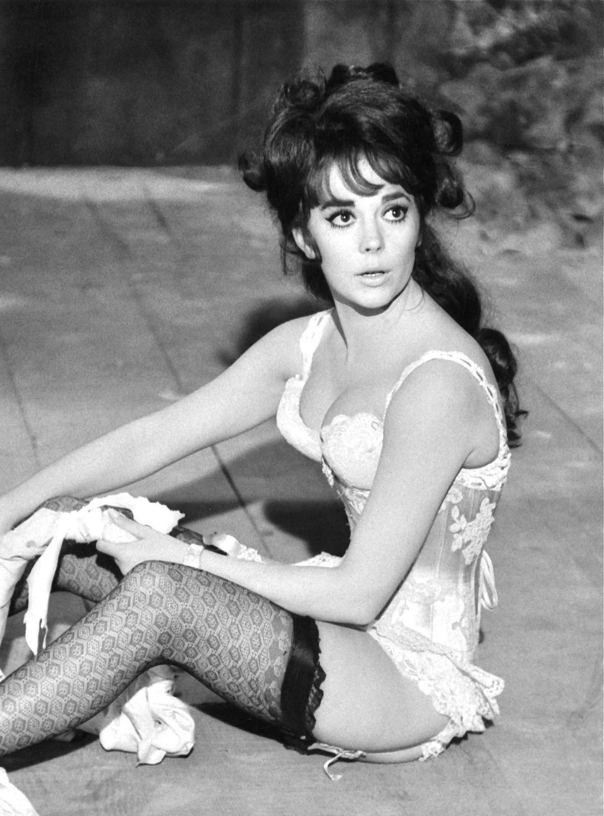 Pin by natalie on prom old hollywood pinterest - Natalie Wood In The Great Race 1965