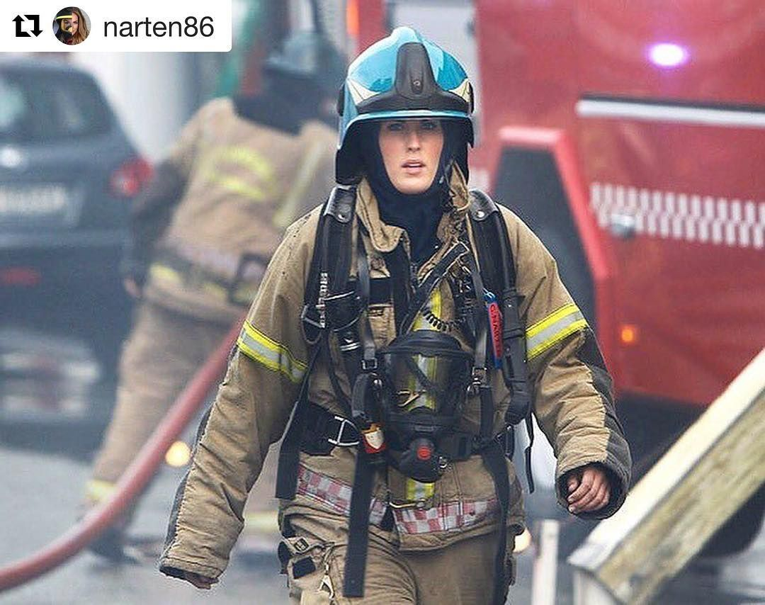 #Repost @narten86 with @repostapp ・・・ Find your passion in life and you'll never have a problem with Monday's Throwback to one of my first big fires back in Stavanger where I started my career as a Firefighter. Think I was 21 here -and my helmet was so clean and shiny  #rookie #firegirl #bybrann #stavanger #rogalandbrannogredning #femalefirefighter #brannmann #brannkonstabel #brannogredning #mondaymotivation