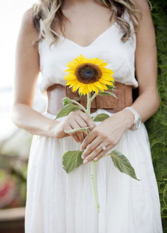 11 Remarkable Single-Flower Wedding Bouquets: You can\'t go wrong ...