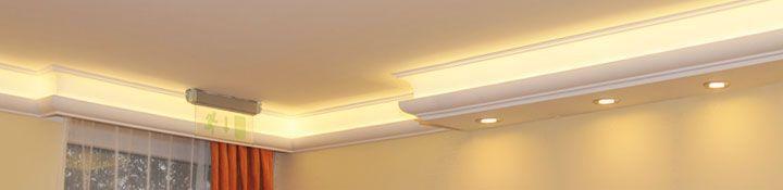 Büro Arbeitszimmer Styropor Deckenleisten LED Spots LED Strips