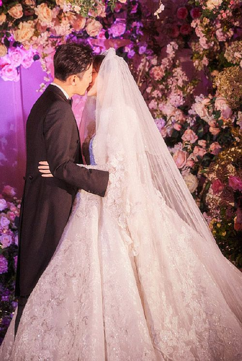[Updated] Tiffany Tang and Luo Jin's Dreamy Wedding Photos in 2020 | Tiffany tang. Luo jin. Wedding