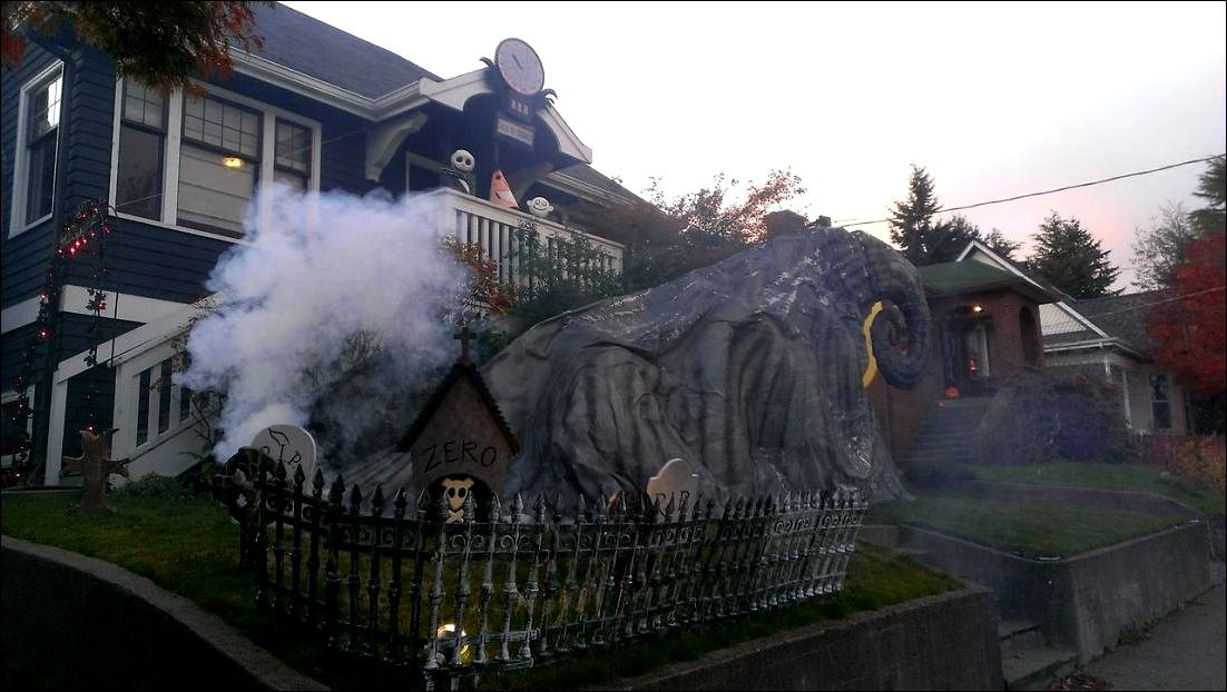 Halloween Outdoor Decorations That Will Definitely Make The