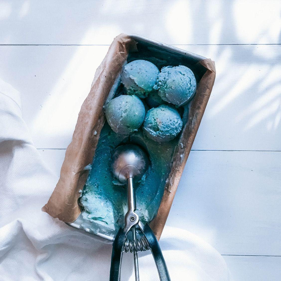 Vegan Mermaid Nicecream recipe with spirulina and blue algae!