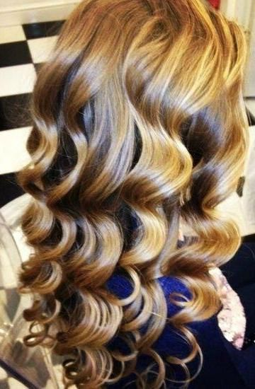 Golden Curls My Mom Used To Set My Hair Using A Long Half Inch Piece Of Rag Folded In Half She D Twist My Wet Hair Around Hair Styles Hair Beauty