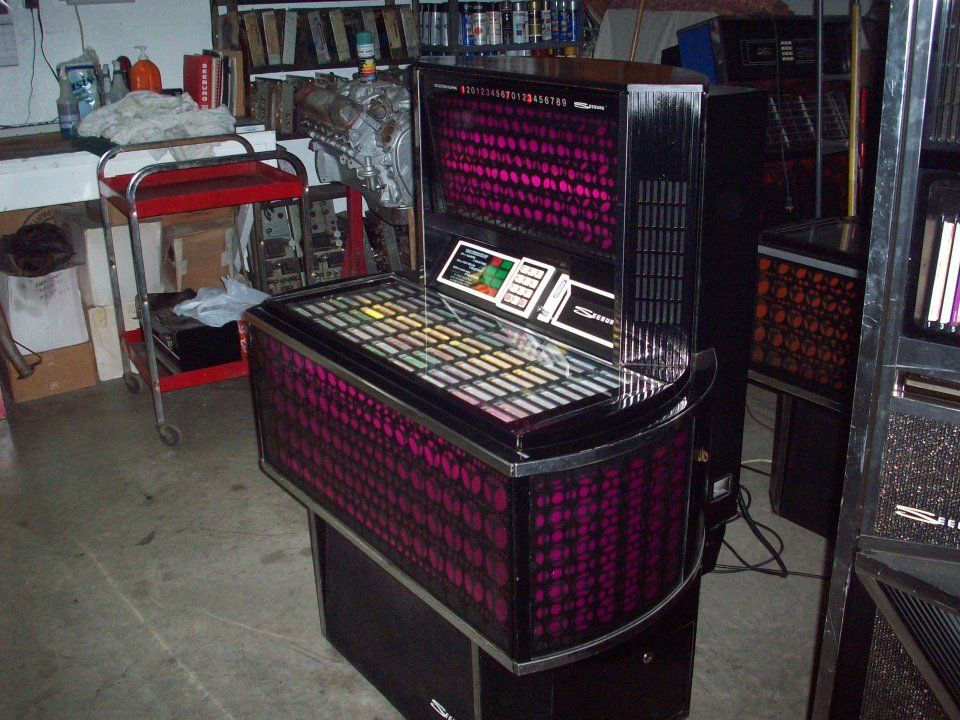 Seeburg record juke box. Retro RockIt Memphis TN Jukebox
