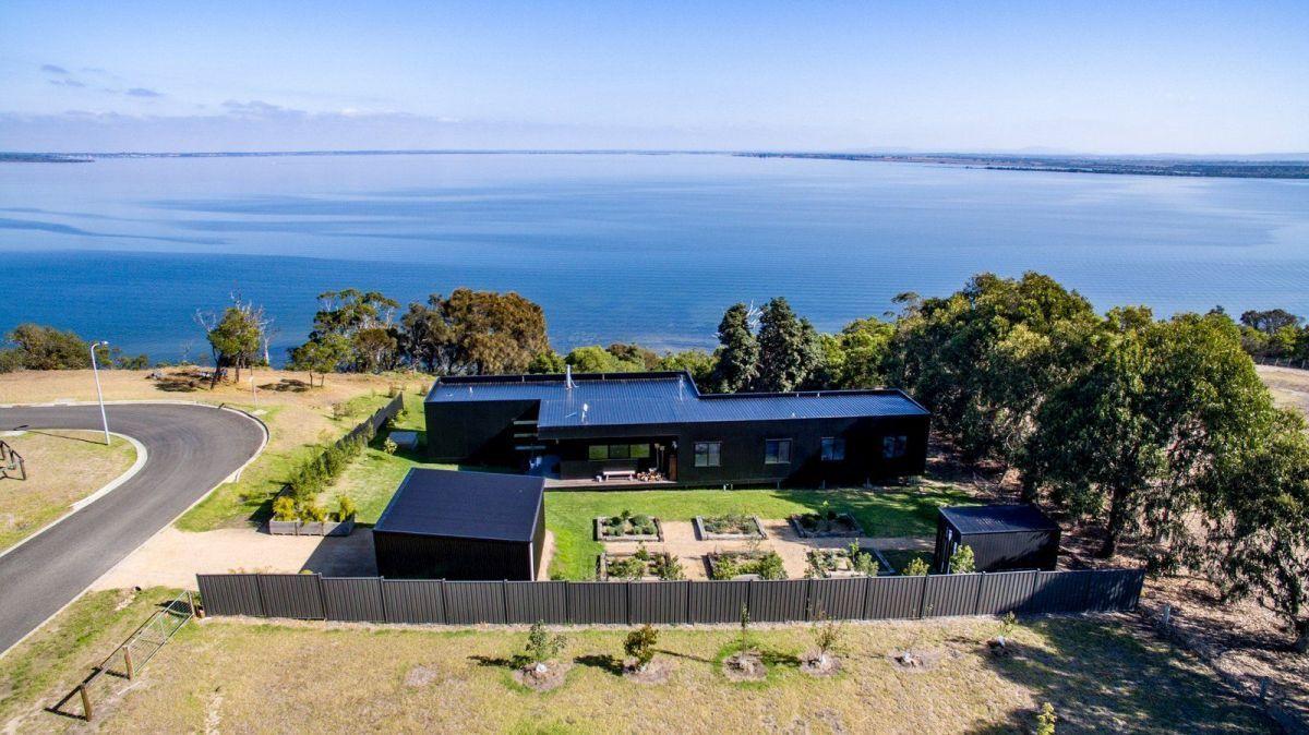 Stunning Sunday Black Modular Home For