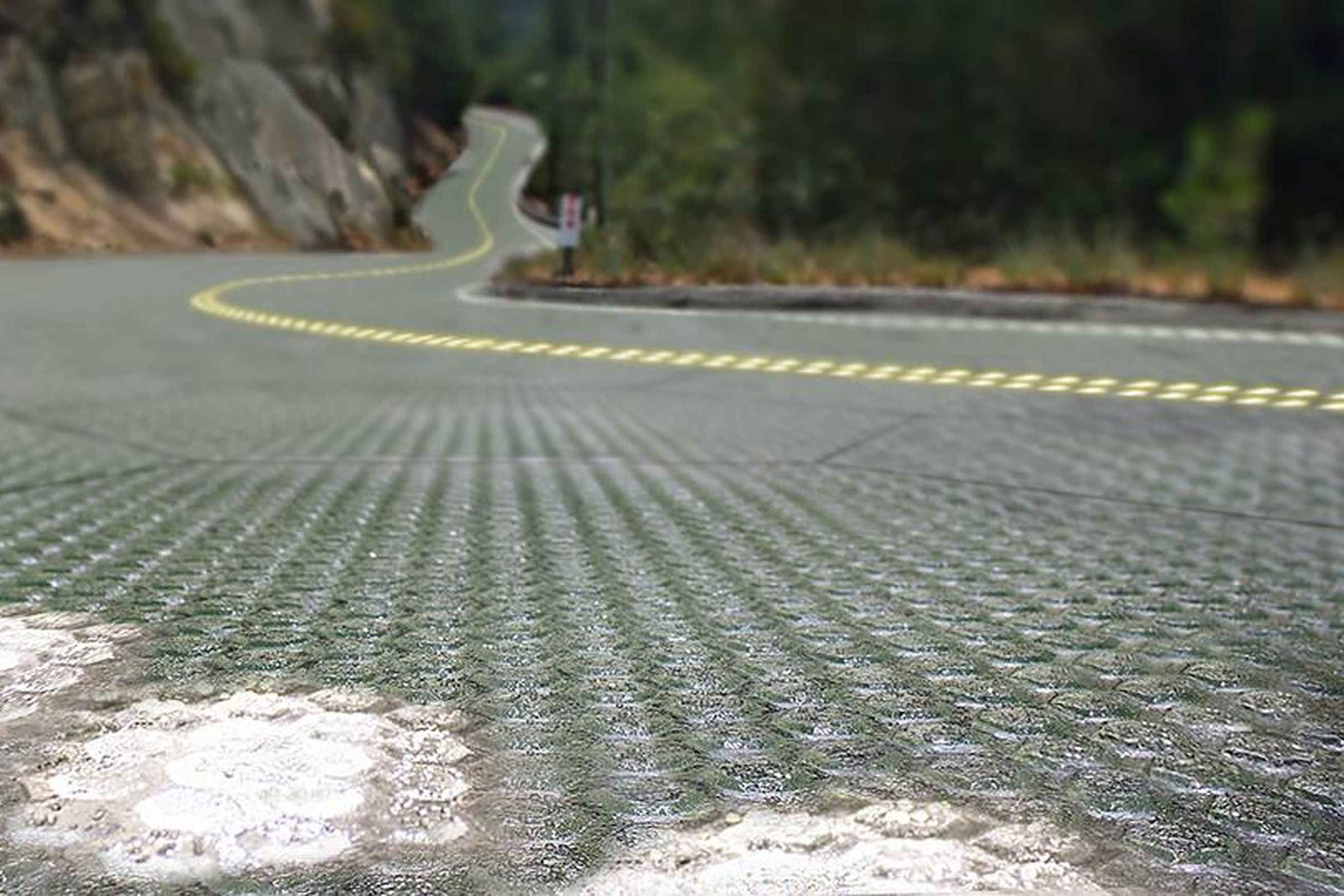U S 's First Public Solar Road Will Roll Out On Route 66 | man stuff