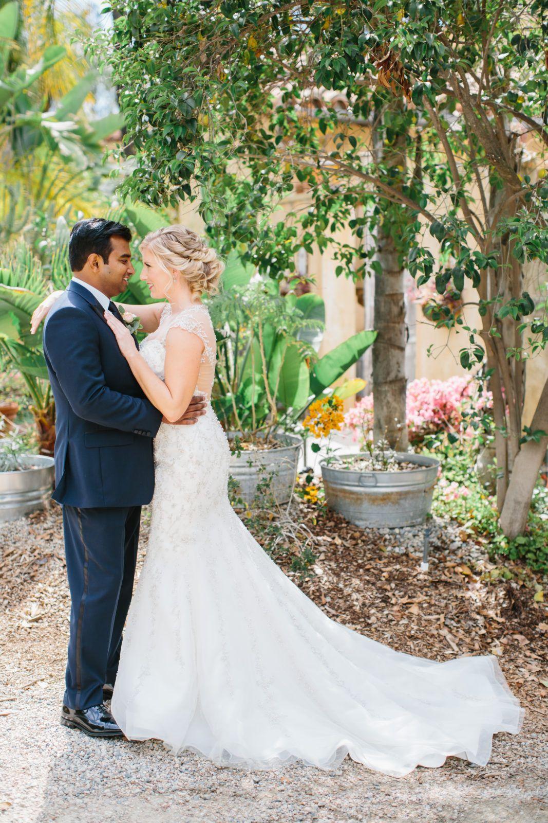 Travel Themed Wedding At Mountain Mermaid Bride And Groom Portraits: Mountain Themed Wedding Dress At Websimilar.org