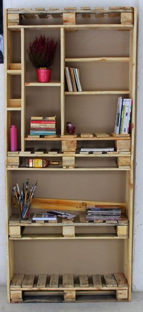 i just totally love this bookcase of pallets europaletten regal regal aus paletten recycelte