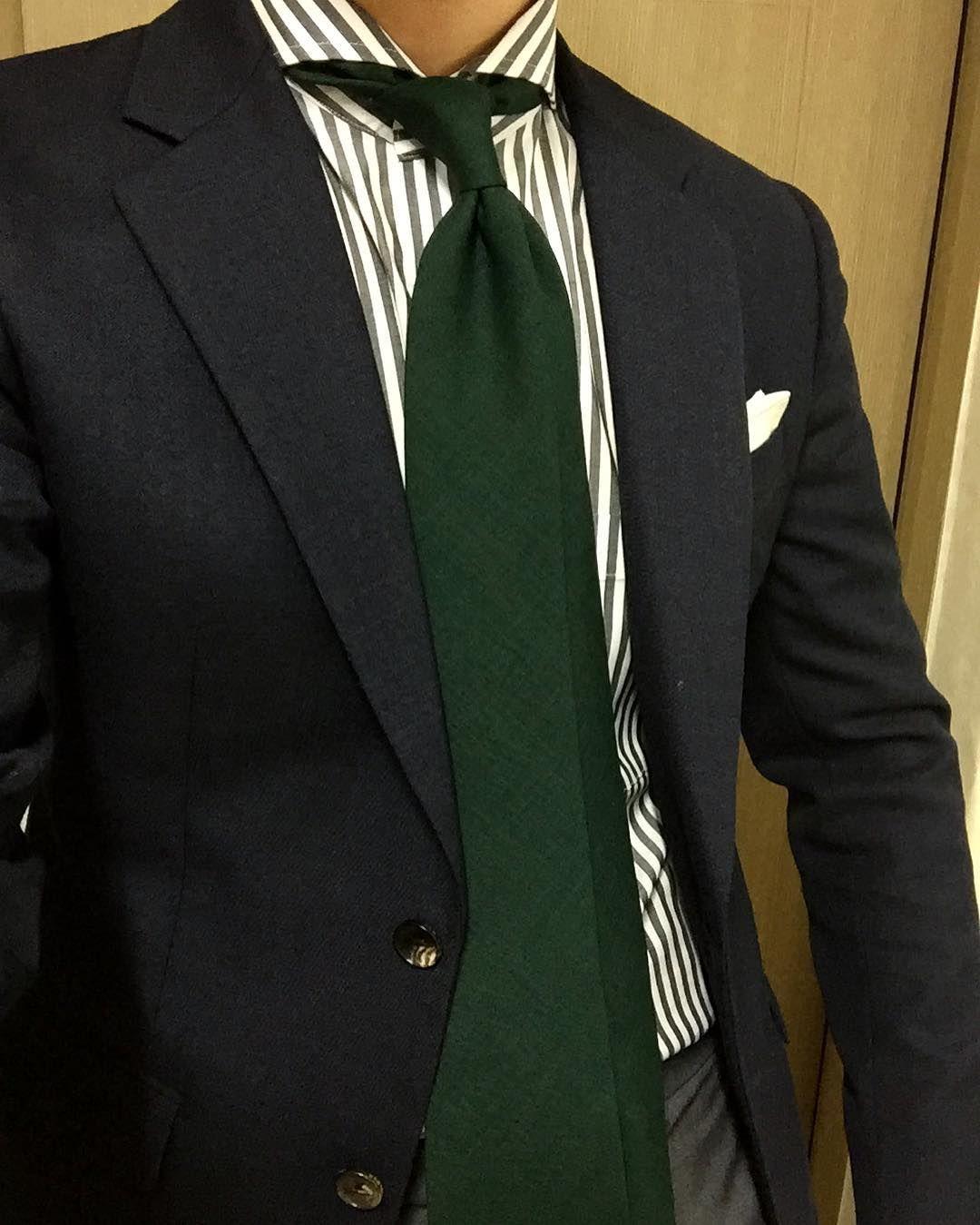 낯선 초록타이  #suit #tie #daily #dailylook #dailystyle #dailyfashion #dailywear #instalook #instastyle #instafashion #menswear #mensfashion #mensstyle #menslook #wiwt #ootd #정장 #데일리 #데일리룩 #수트 by youngtaekkk