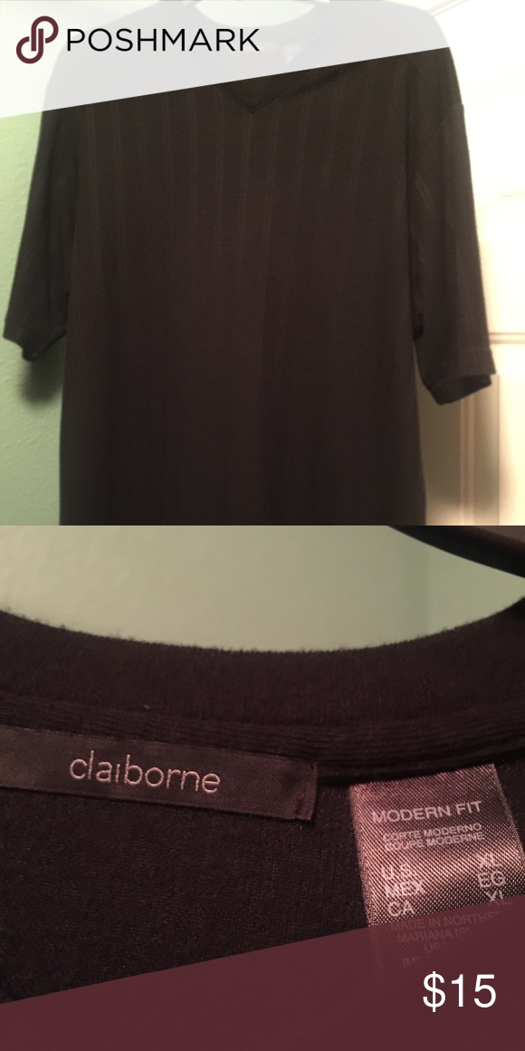 Claiborne lt weight sweater Black V-Neck short sleeve sweater Claiborne Sweaters V-Neck