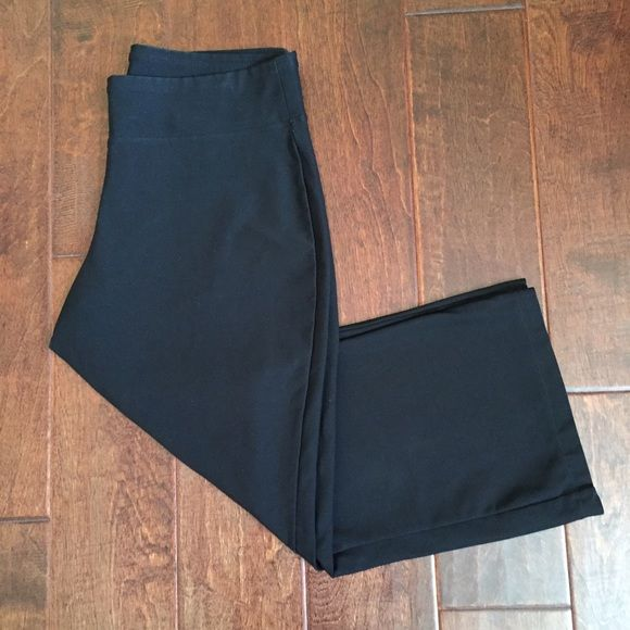 Nike Dri-Fit Capris | Pants Nike Dri-Fit Capris/ Pants Color: Black  In great Condition Material: 88% Polyester | 12% Spandex Measurements: Inseam: 21 inches | Waist: 15 inches ❗️Can be Capris or Pants depending on height, I'm 5'5 and these hit a little above my ankles❗️ Open to Offers  ❌No Trades❌ Nike Pants