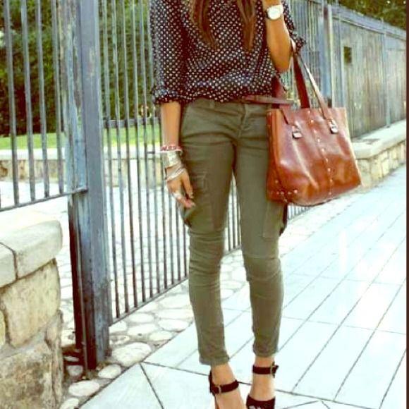 GAP Pants - Olive green skinny pants