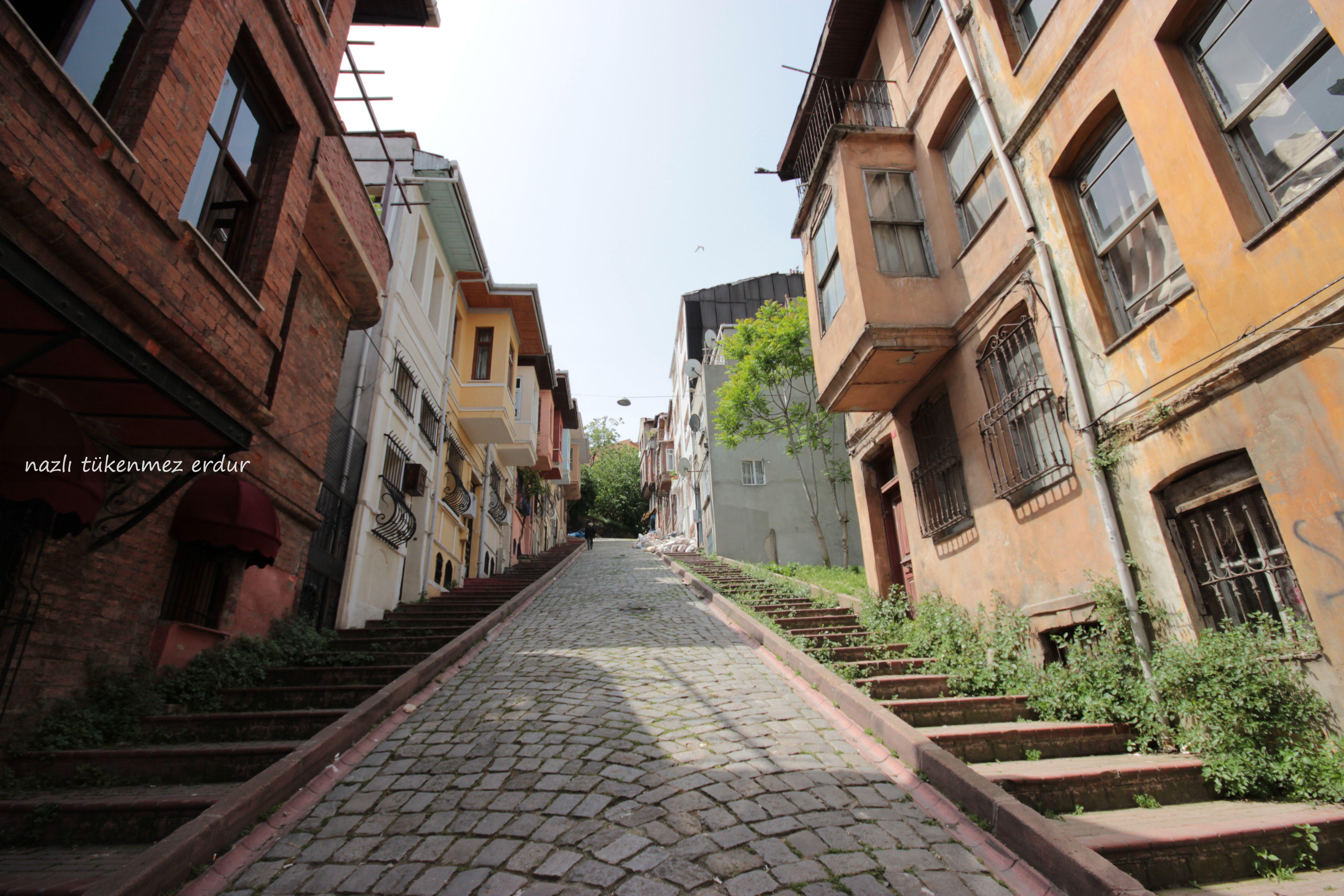 #IstanbulPhotos #Turkey #Istanbul #Balat Eski İstanbul'un Arka Sokakları #AhşapBinalar #Merdivenler #Yokuş