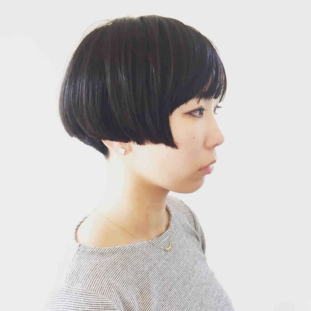 大谷 安希子さんはinstagramを利用しています 前下がりボブ シャンプーになりやすい前下がりラインを優しい仕上がりにするために あえてブツブツとしたい毛先にし 動き感を出しました ブツブツ前下がりボブ 黒髪ボブ Abond Akiko Heartyabond ショートの