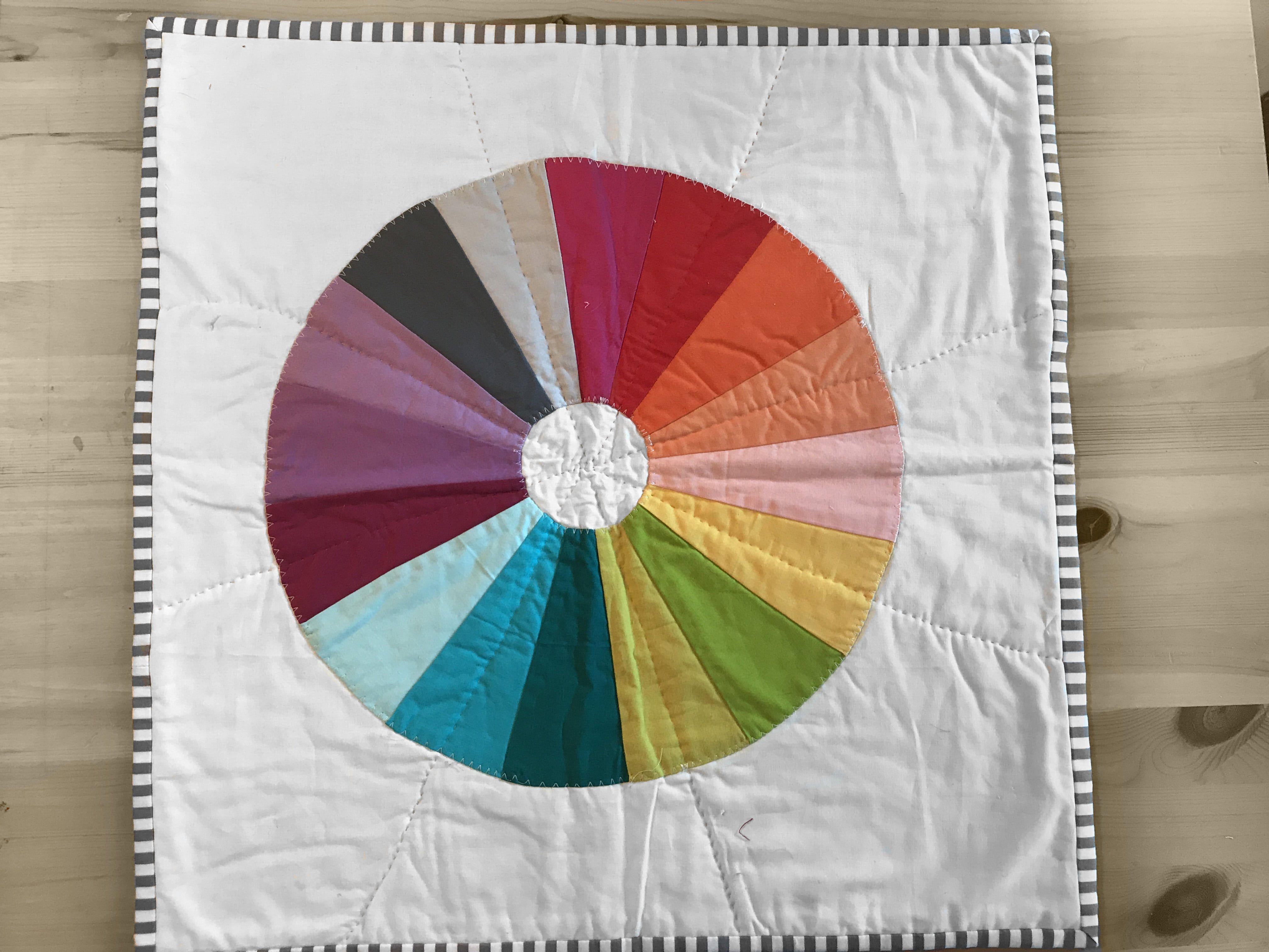 Color Wheel Quilt Tutorial Quilting Quilts Mini Quilts Quilt