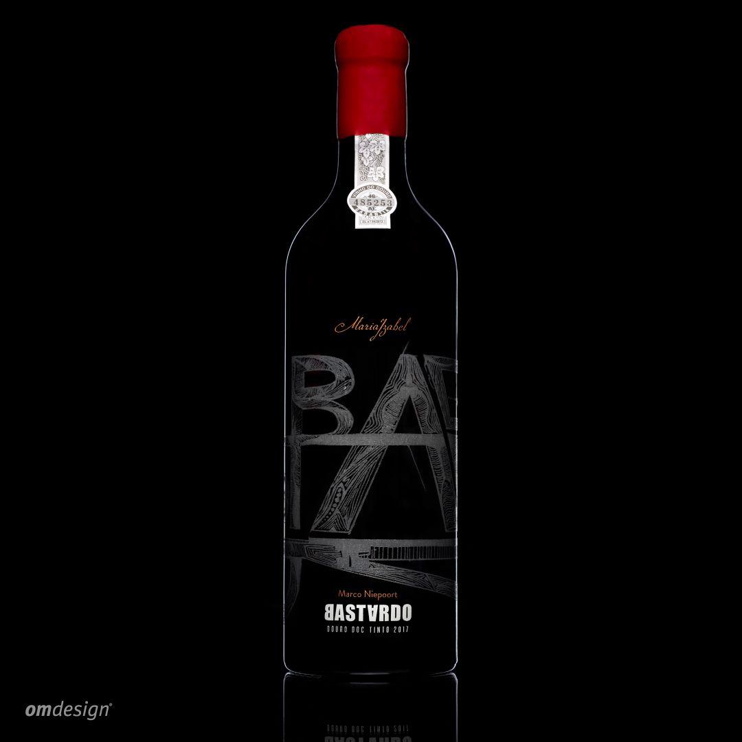 Quinta Maria Izabel Bastardo (2020)  #Omdesign #Design #Portugal #LeçadaPalmeira #Since1998 #AwardedAgency #DesignAwards #WinePackaging #PackagingDesign #QuintaMariaIzabel #Bastardo #VinhodoDouro #DouroWines #Douro #IVDP #PortugueseWines #WinesofPortugal #WineLovers #WineDesign